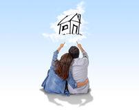 giovani-sogno-e-rappresentazione-delle-coppie-la-loro-nuova-casa-nello-stato-reale-46315299