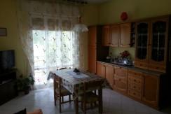 Santarcangelo di Romagna : Casa singola + negozio/ufficio