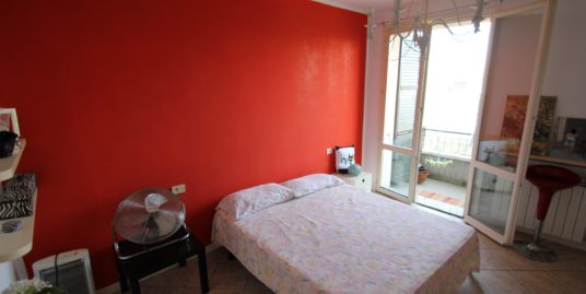 Comodo appartamento zona Cesare