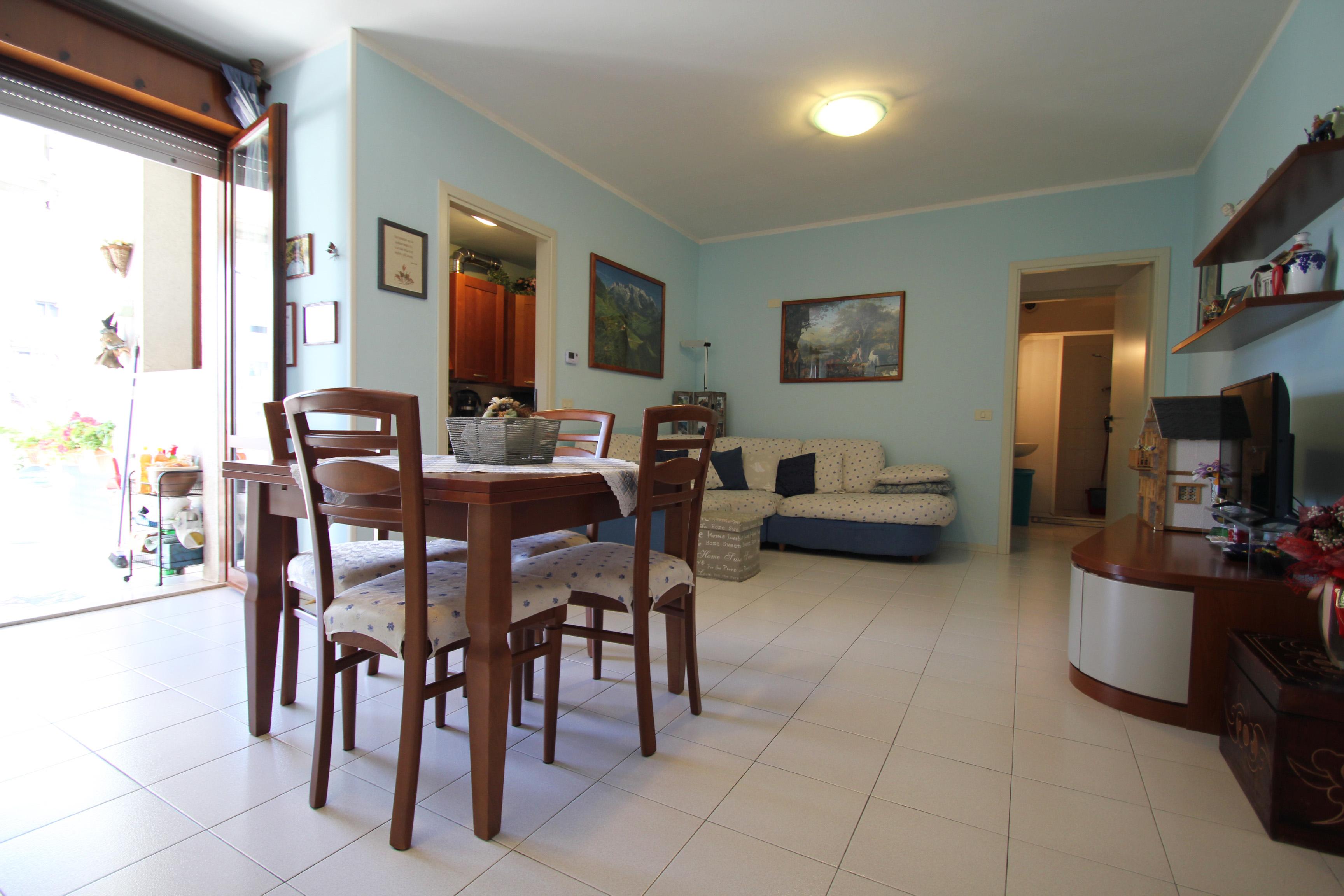 Appartamento con tre camere al piano primo
